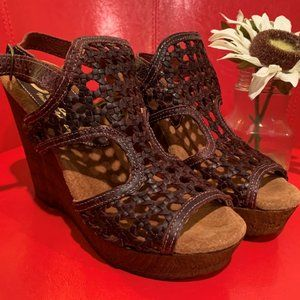 Sbicca Vintage Woven Leather Brown/Wine Wedges